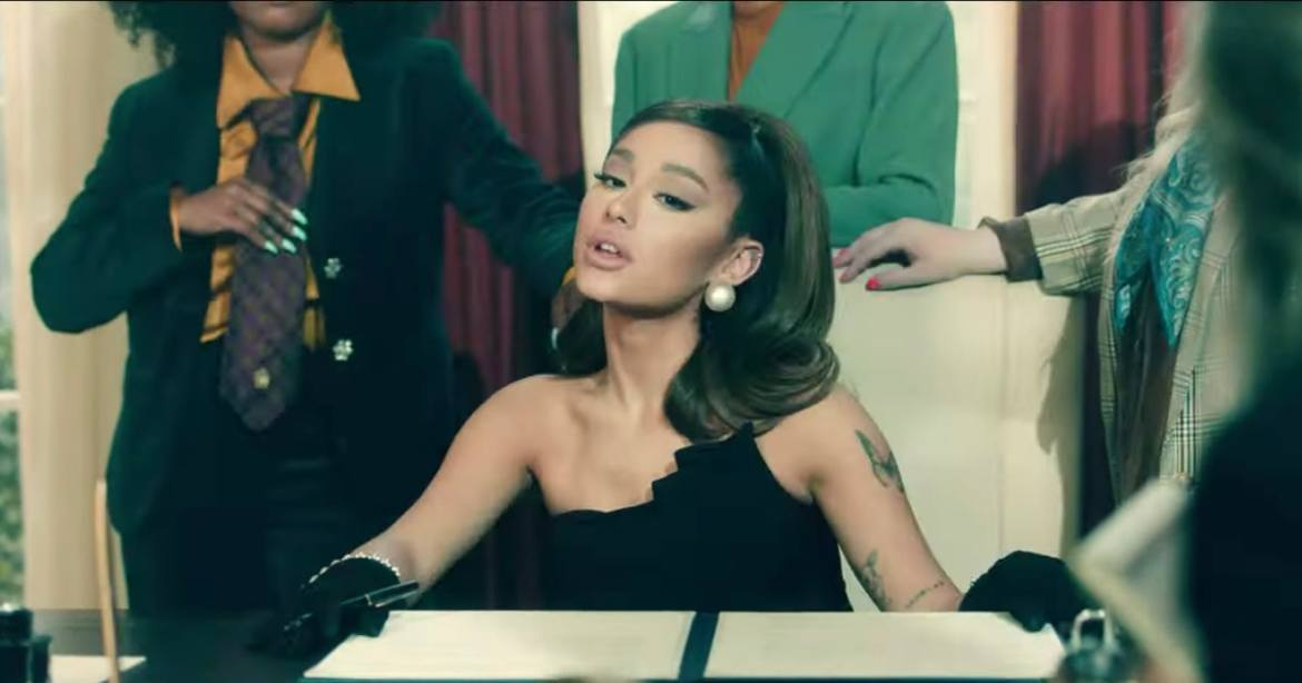 Settle Into Positions with an Ariana Grande Unique Vibe