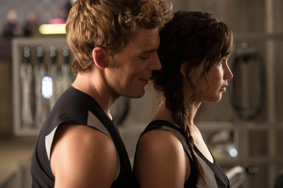 the_hunger_games_catching_fire_60082339_st_1_s-high