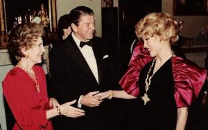 President Reagan and Nancy with Joanne King Herring