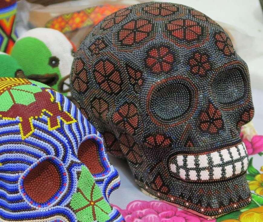 Huicholes Skulls - Real de Catorce - Ein magischer Ort in der Wüste Mexikos
