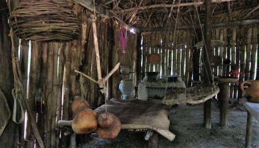 Totonakenhaus im Ökopark Xanath