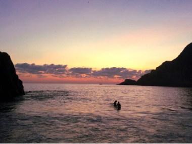Sonnenuntergang am Strand von Maruata, Michoacan, Mexiko