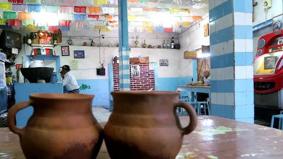 """Pulqueria """"Gallo colorado"""" in Querétaro"""