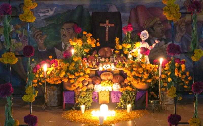 Altar in auf dem Marktplatz in Xoxo