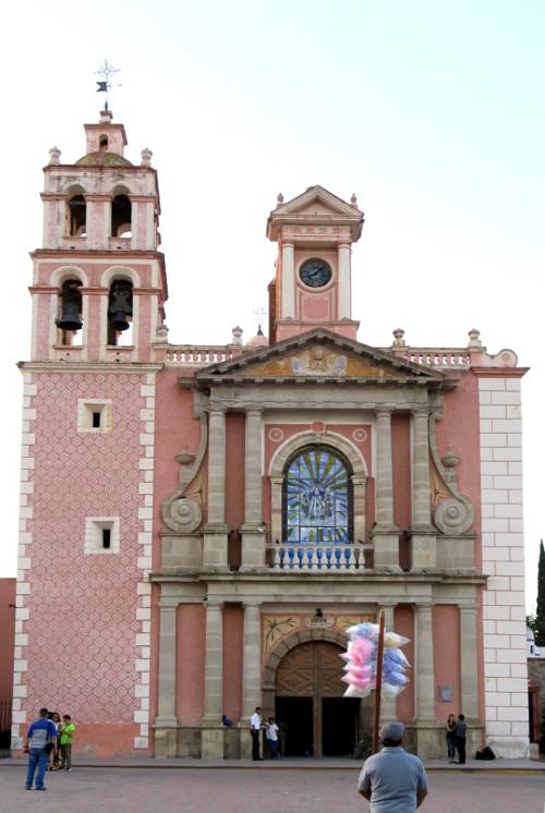 Tequis Kirche blog - Querétaro - Der beste Start in dein Mexiko Abenteuer
