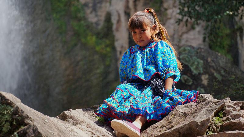 Raramuri kind - Mit dem Zug durch den Kupfer Canyon - Gastbeitrag