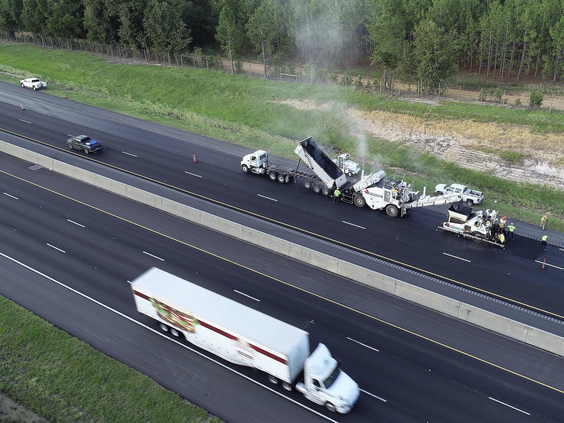 Photo of contractors resurfacing I-75 in south Georgia (Georgia DOT photo)
