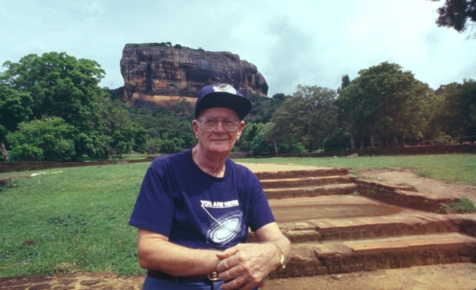 sir-arthur-clarke-with-sigiriya-in-background-photo-by-rohan-de-silva.jpg