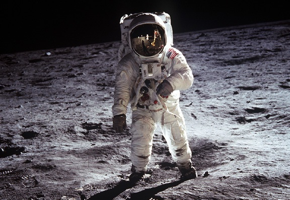 Apollo still photos were much better than broadcast images: how come?