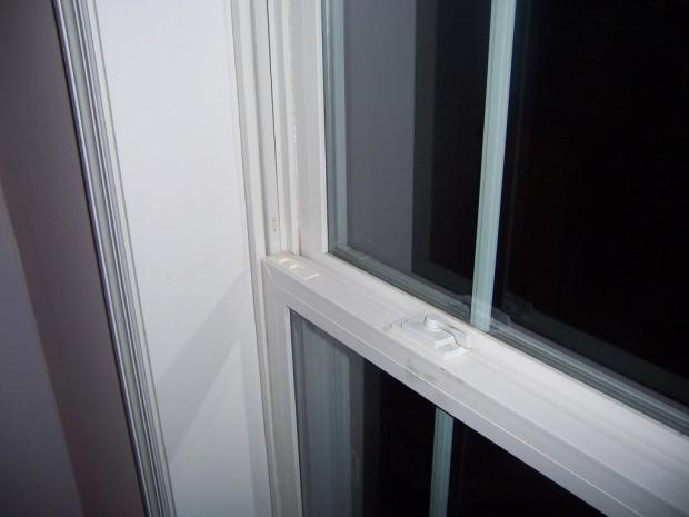 Double Hung Vinyl Windows And Air Conditioners