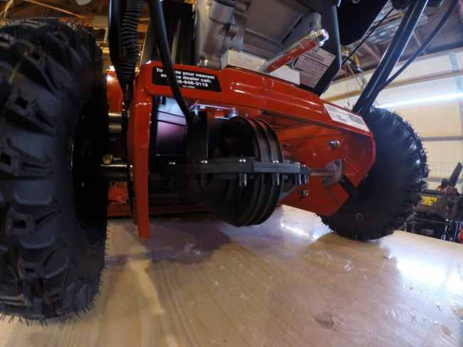 Toro SnowMaster 724 QXE, 824 QXE Picture Review - MovingSnow com