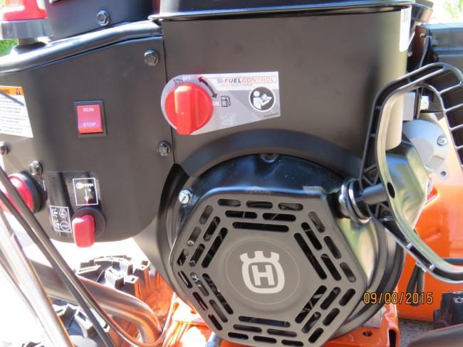 Huqvarna ST327P LCT Engine