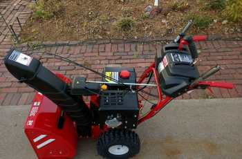 Troy-Bilt Vortex 2490 Picture Review 6