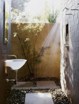 modèle-de-salle-de-bain-extérieure-petite