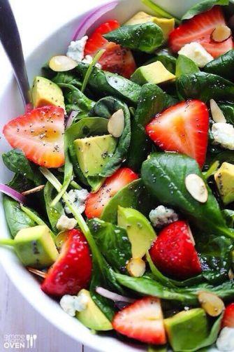 Salade de fraises et d'avocat