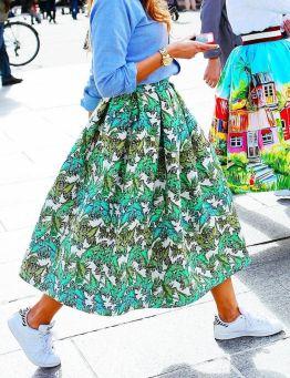Comment porter une robe avec des baskets 08