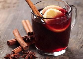 Vin chaud aux agrumes et aux épices