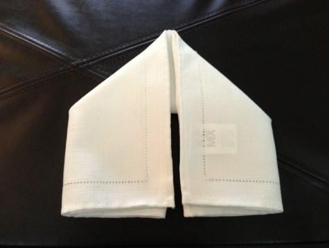 Décoration de Pâques - pliage de serviettes 05