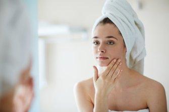 Routine matinale pour une peau saine et belle
