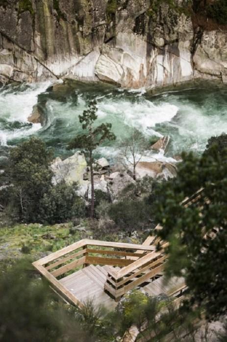 excurtion-Portugal-passerelle-en-bois11
