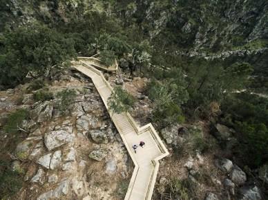 excurtion-Portugal-passerelle-en-bois6