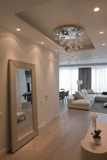 miroir-design-appartement-moderne-miroir-en-couleur-creme