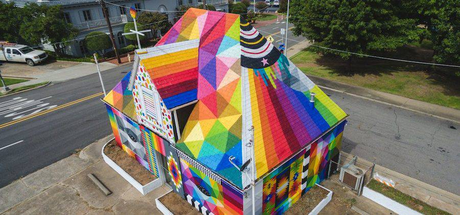new-multicolored-artwork-on-a-house-by-okuda-0-900x421