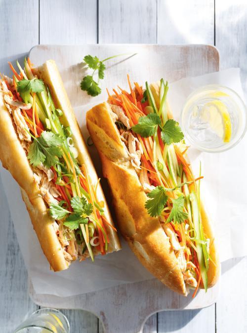 sandwich-au-poulet-fac%cc%a7on-vietnamienne