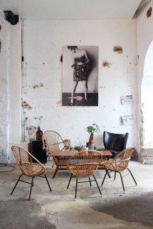 l-interieur-design-fauteuil-rotin-vintage-cool-idee-amenagement-salon-l-amenager-bien