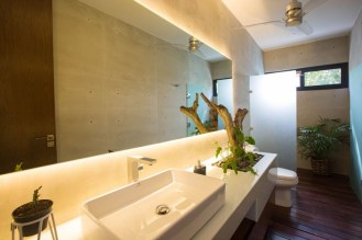 bathroom-with-plants-070117-1102-15