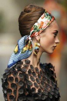 Comment porter le foulard (12)
