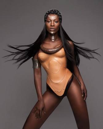 Armour : Des coiffures réalisées par Lisa Farrall
