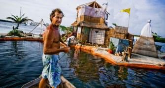 Richart Sowa a construit sa propre île flottante