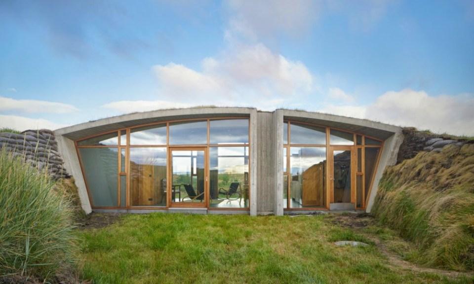 Une maison partiellement enterrée, inspirée des Vikings 03