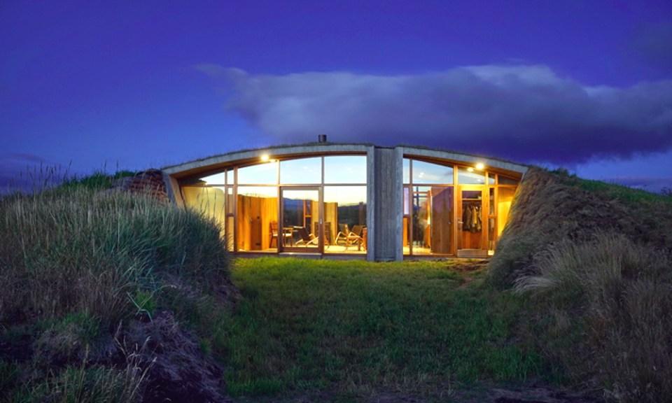 Une maison partiellement enterrée, inspirée des Vikings 06