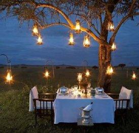 lampes-a-petrole-pour-eclairer-table-de-jardin