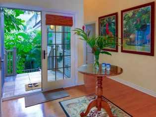 Une magnifique villa en bord de mer, située au North Shore à Hawaii 02
