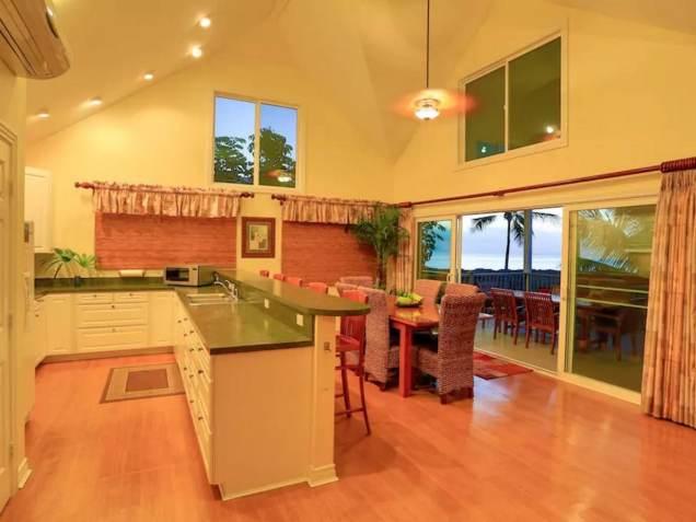 Une magnifique villa en bord de mer, située au North Shore à Hawaii 08