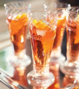 Cocktail au Martini blanc, à l'orange et à la cannelle