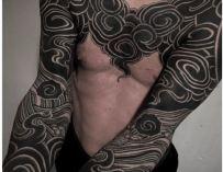Gakkin, tatoueur japonais installé à Amsterdam