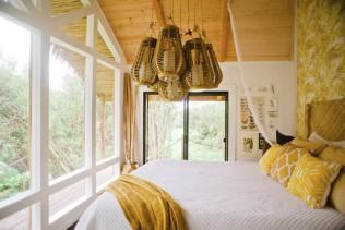 Dreamy Tropical Tree House 03