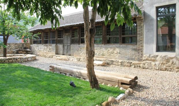 Studio-Cottage-14-tt-width-620-height-368-lazyload-0-crop-1-bgcolor-000000-except_gif-1