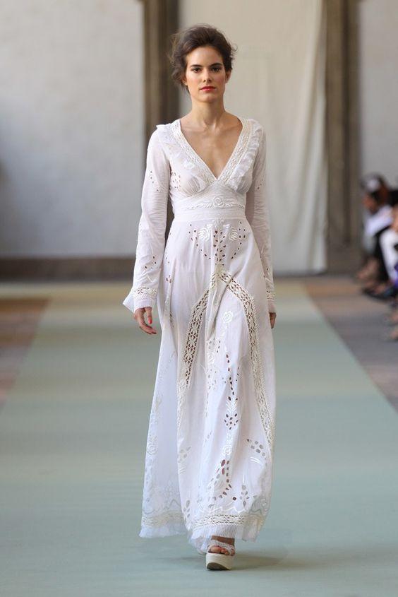 Robe Brodée La Dans S'invite Votre Longue Blanche Garde yYfI76gvb
