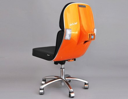 Recycled-Vespa-Chair-Bel-and-Bel-lead-889x692