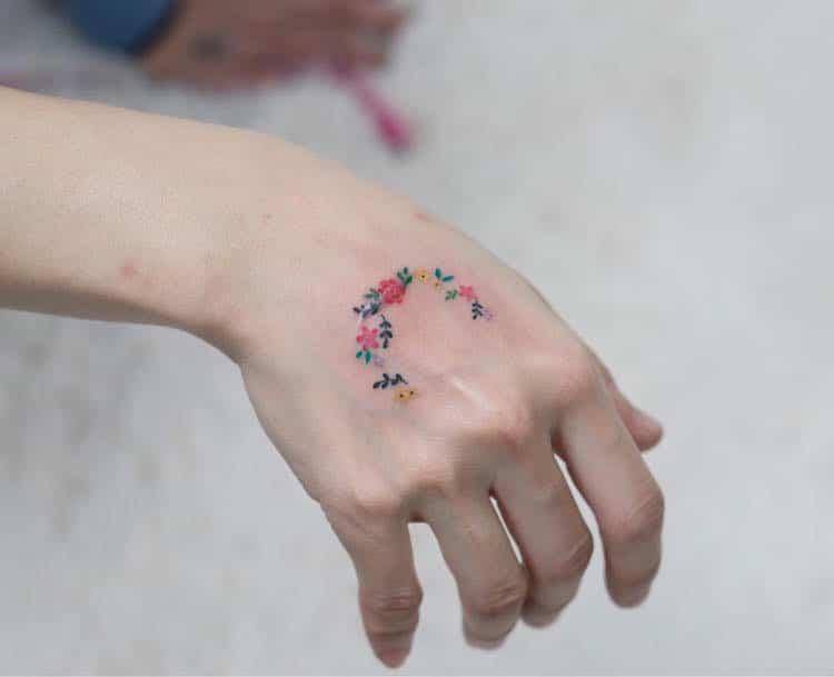 zihee-tattoo-delicate-tattoos-2