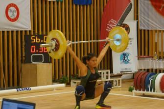 La championne Clodyne YU-HING bat le record d'Europe de l'arraché