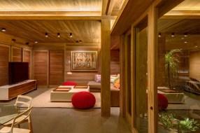 ameublement-bois-mur-plafond-maison