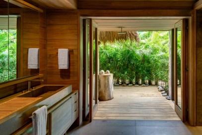 interieur-bois-exotique-salle-de-bain