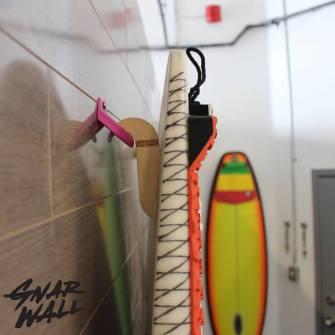 Gnarwall : Le gadget parfait pour accrocher votre planche de surf au mur