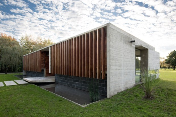 Rodriguez-House-11-tt-width-620-height-414-lazyload-0-crop-1-bgcolor-000000-except_gif-1